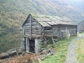 A combination of boathouse and barn is still standing on one of the former crofts down by the fjord.