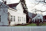 The old bailiff residence Volden has since 1975 been a vicar residence.