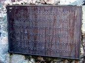 On the plaque it says:  MTB 345 was detected here * by German forces on 28 July, 1943 * After a short gunfight the crew * of seven were taken prisoner and brought to Ulven * Two days later they were brutally * executed there and submerged in Korsfjorden.