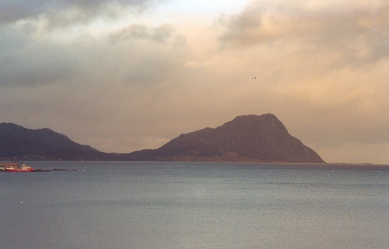 The mountain of Revjehornet at Stadlandet. The beacon was visible from all places around the Vanylvsfjord and to Vakthusbakken at Åheim.